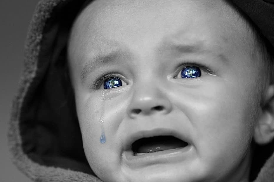 crying-baby-2708380_960_720