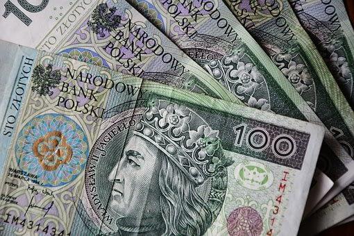 euro-banknotes-3212757__340